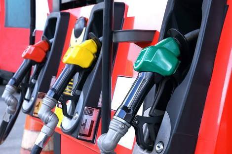 【悲報】ガソリン価格、こわれる 151円突破