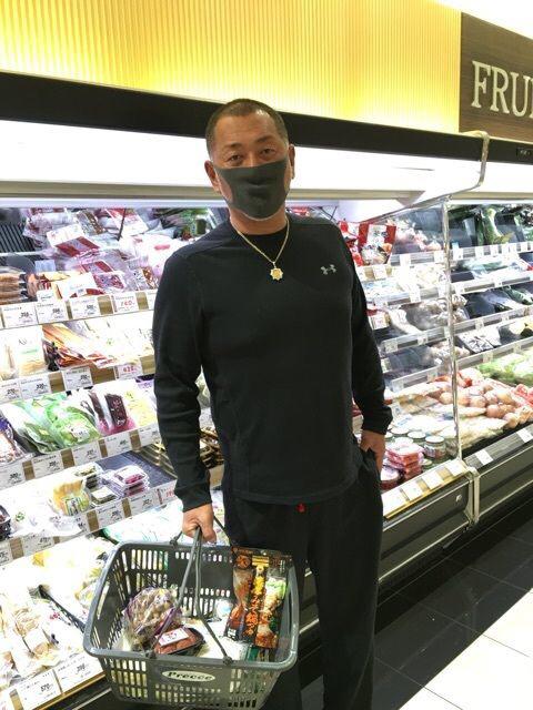 たまに黒のマスクして外歩いてるやつおるやん?