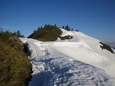 赤倉岳山頂が目の前