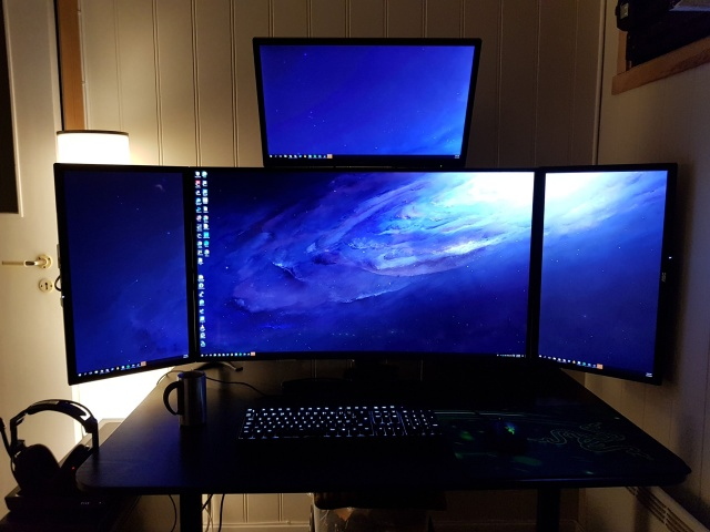 PC_Desk_MultiDisplay114_08.jpg