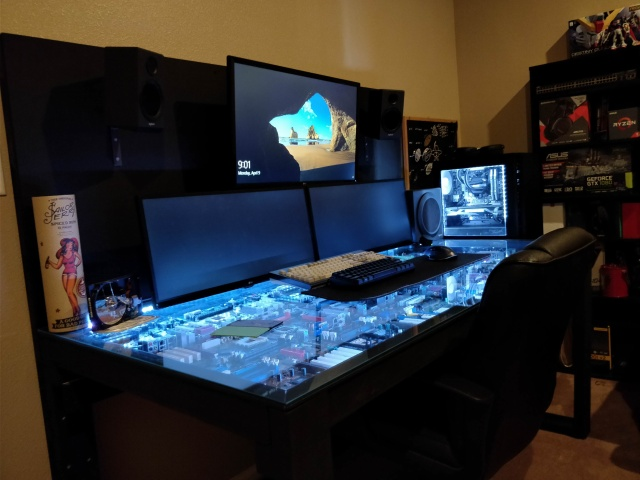PC_Desk_MultiDisplay116_89.jpg