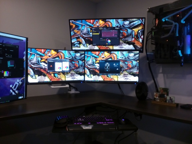 PC_Desk_MultiDisplay117_19.jpg