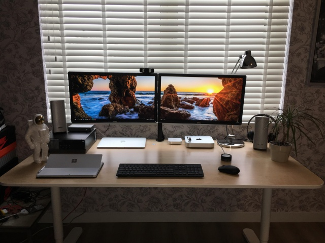 PC_Desk_MultiDisplay117_99.jpg