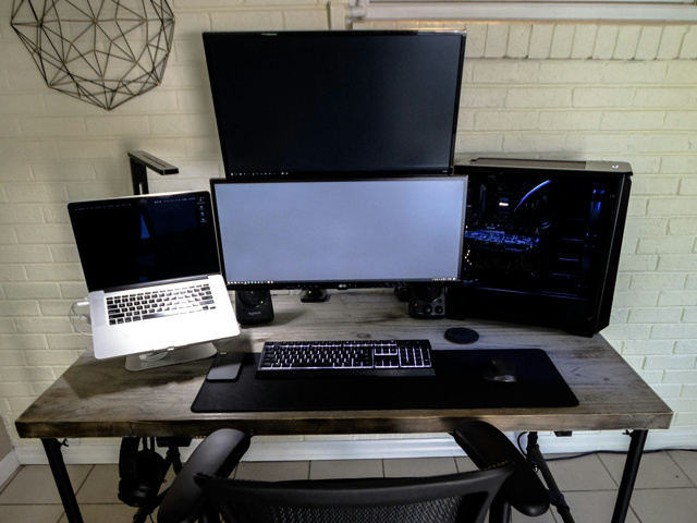 PC_Desk_MultiDisplay118_32.jpg