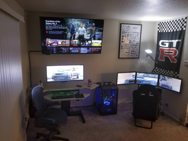 PC_Desk_UltlaWideMonitor29_23.jpg
