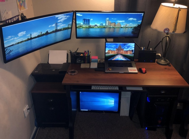 PC_Desk_UltlaWideMonitor29_39.jpg