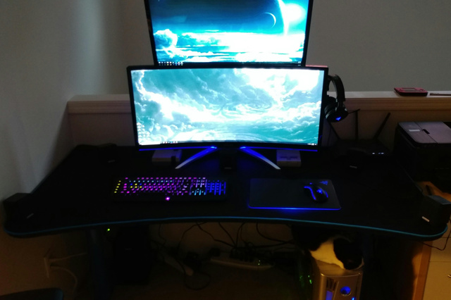 PC_Desk_UltlaWideMonitor29_53.jpg
