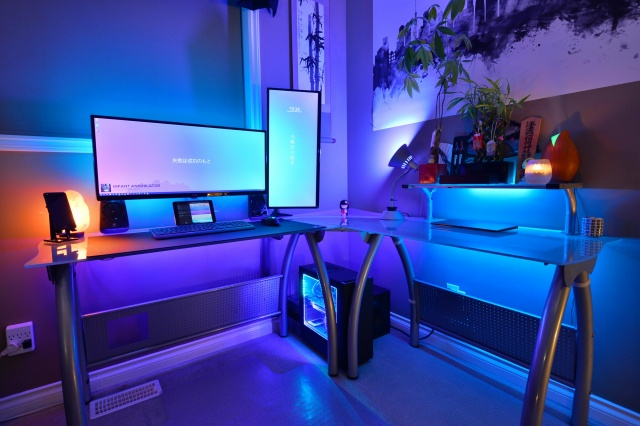 PC_Desk_UltlaWideMonitor29_70.jpg