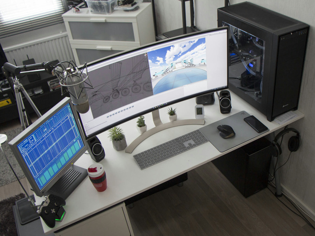PC_Desk_UltlaWideMonitor29_90.jpg