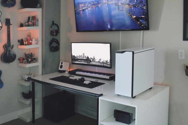 PC_Desk_UltlaWideMonitor29_99.jpg