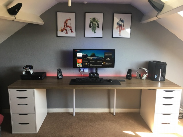 PC_Desk_UltlaWideMonitor30_15.jpg