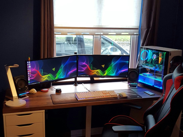 PC_Desk_UltlaWideMonitor30_20.jpg