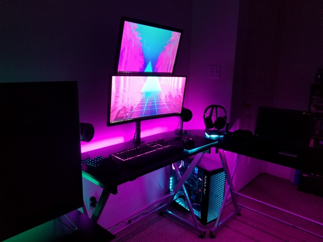 PC_Desk_UltlaWideMonitor30_37.jpg