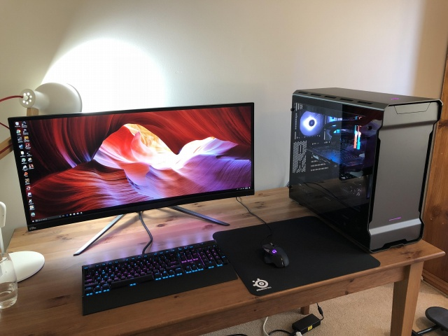 PC_Desk_UltlaWideMonitor30_40.jpg