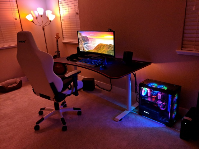 PC_Desk_UltlaWideMonitor30_65.jpg