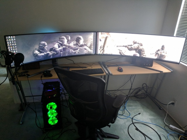 PC_Desk_UltlaWideMonitor30_72.jpg