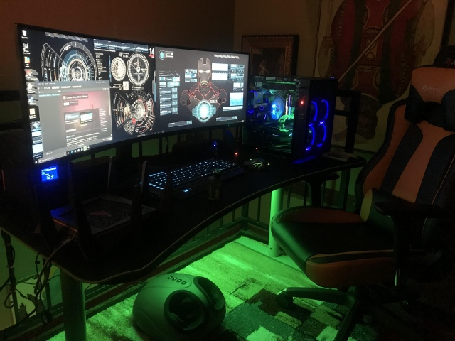PC_Desk_UltlaWideMonitor30_79.jpg