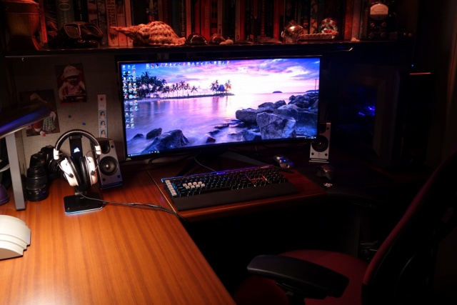 PC_Desk_UltlaWideMonitor30_89_.jpg