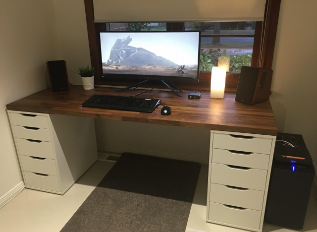 PC_Desk_UltlaWideMonitor31_13.jpg