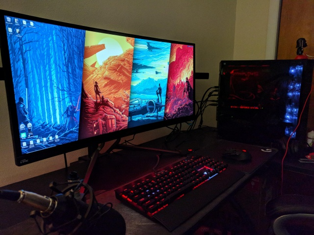PC_Desk_UltlaWideMonitor31_36.jpg