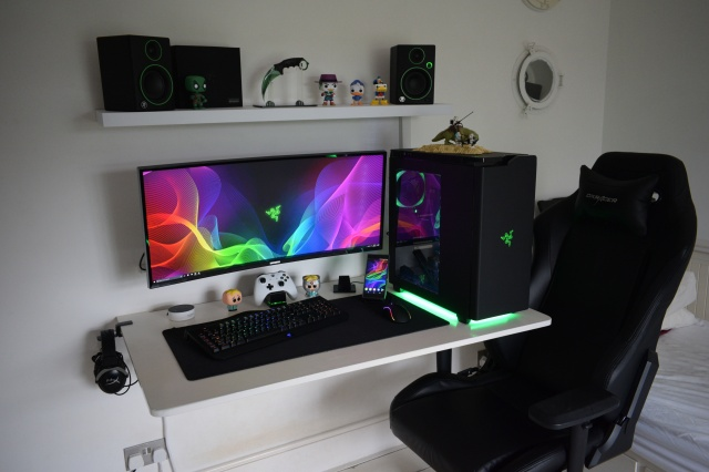 PC_Desk_UltlaWideMonitor31_66.jpg