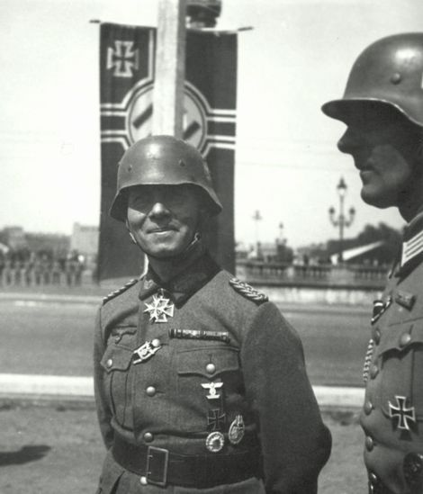 Erwin Rommel_Hans-Joachim Schräpler_Siegesfeier Parade_23 Juni 1940