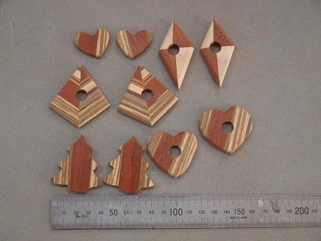 P5270005 木のイヤリング