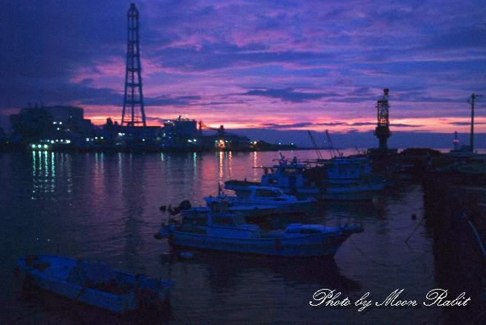 西条漁港と四国電力西条発電所