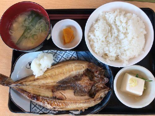 山小屋食堂 鮎沢パーキングエリア下り(肉野菜定食、とろろうどん、焼き魚定食、舞茸蕎麦)