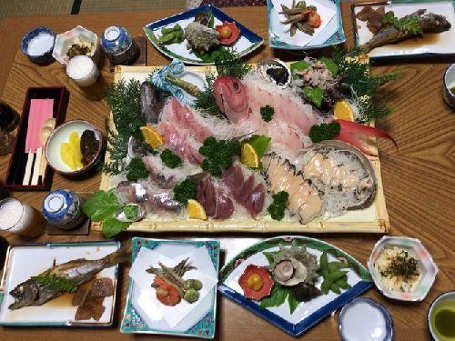 温泉民宿 浩美屋(魚三昧の食事と感想)