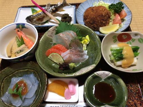 湯岐温泉 山形屋旅館(2泊目の夕食、朝食、サービス昼食)