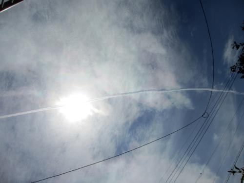 飛行機雲15日